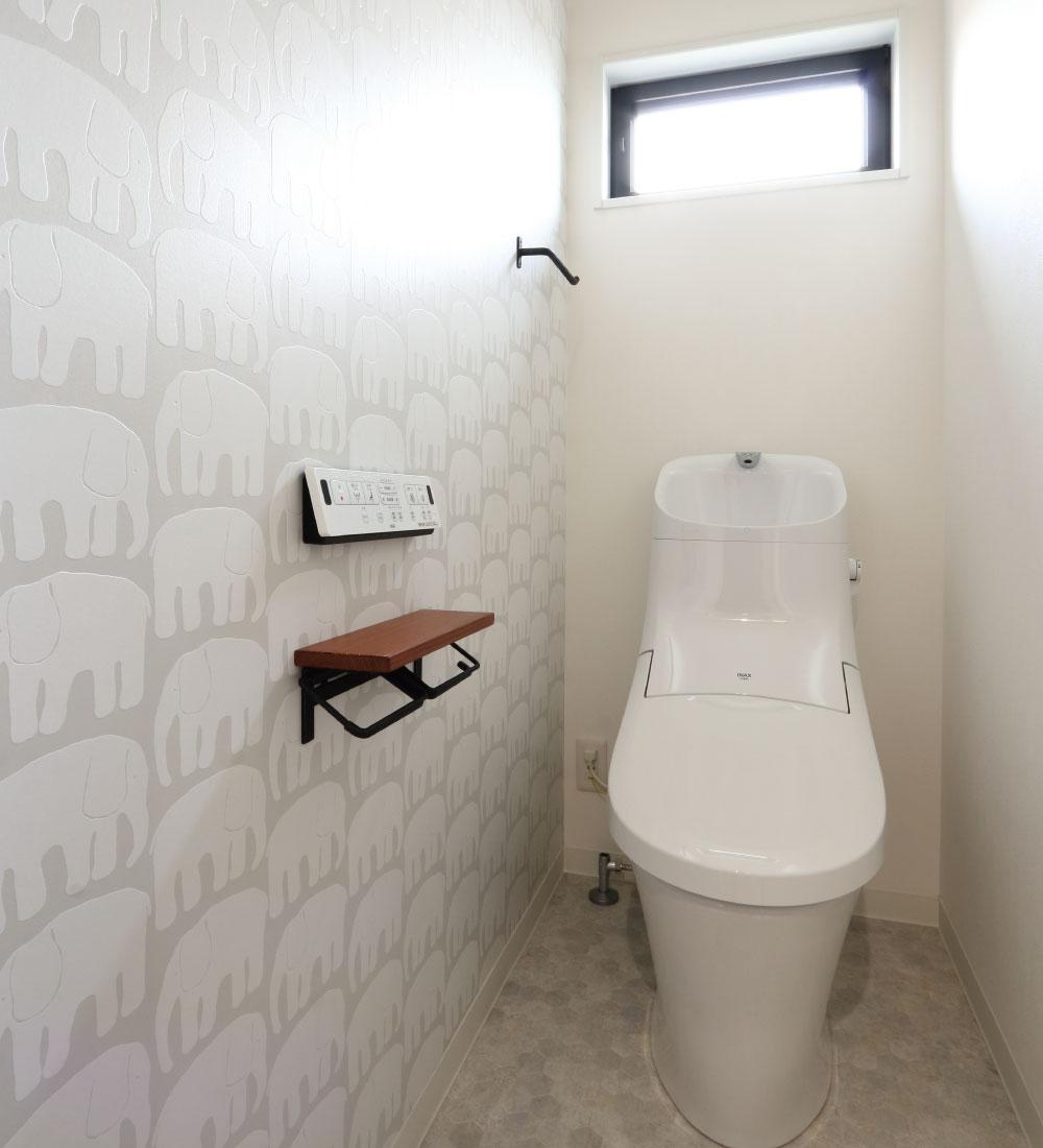 トイレの可愛いアクセントクロス