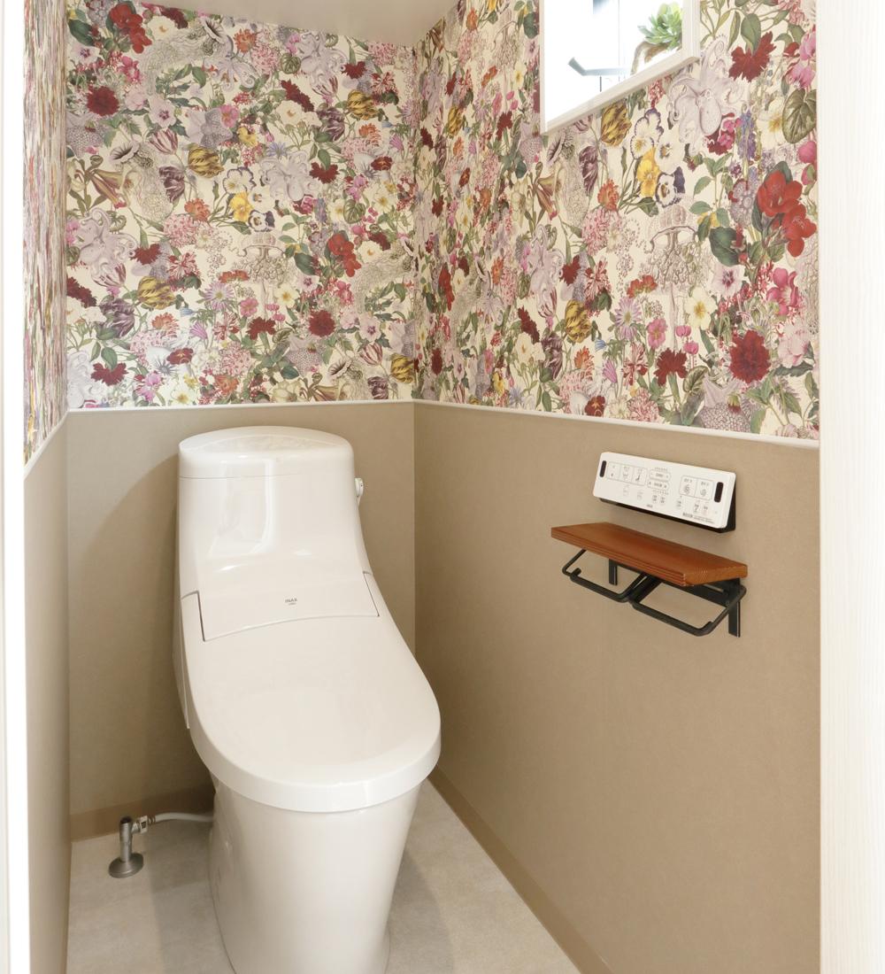 クロスの可愛いトイレ