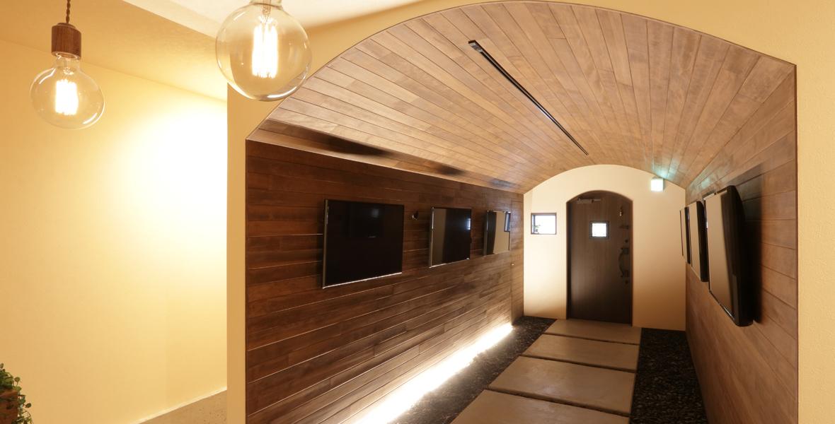 トンネルカフェの入り口
