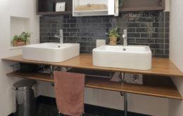 ダブルボウル洗面台の造作洗面台