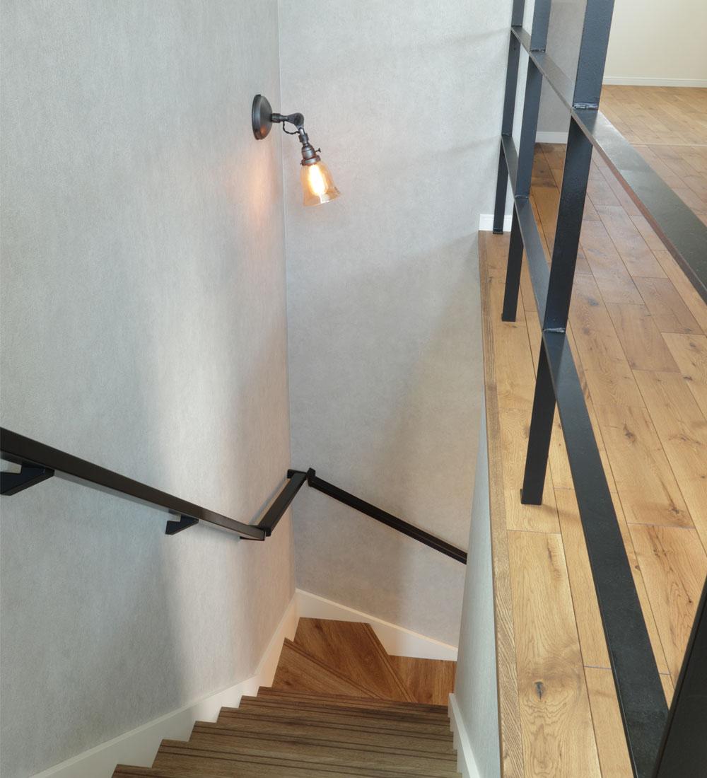 アイアン手すりのオープン階段